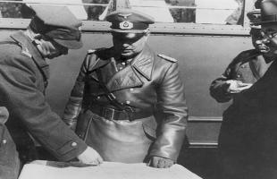 صور نادرة لـ لحظة غزو هتلر لبولندا .. شاهد