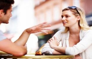 ترجمة لغة الجسد.. علامات تؤكد أن الشخص الموجود أمامك معجب بك