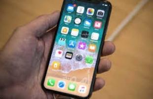 احذر..  53 تطبيق أيفون يمكنهم الوصول إلى بيانات هاتفك
