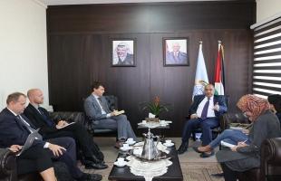 """الشلالدة يبحث مع وفد منظمة """"آيلاك"""" سبل دعم سيادة القانون في فلسطين"""