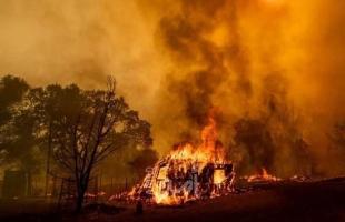 إجلاء مئات الأشخاص جراء الحرائق الهائلة التي اجتاحت غابات كاليفورنيا