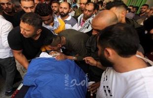 بالصور- جماهير غفيرة تشيع جثمان الشهيد البدوي في مخيم العروب