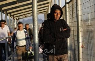 وزير العمل: أكثر من 20 الف عامل فلسطيني ما زالوا داخل إسرائيل