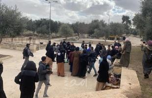 سلطات الاحتلال تفرج عن مواطنين اعتقلتهم قرب مصلى الرحمة بالقدس