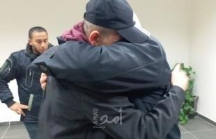 """بعد فقدانه.. السلطات المصرية تطلق سراح الجريح """"أحمد أبو حسين"""" من شمال غزة"""