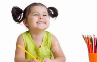 في سن الرابعة.. بريطانية موهوبة تقارب معدل ذكاء آينشتاين
