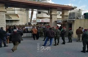 """قادة الاحتجاج يهددون بالتصعيد حال رفضت الصحة وقف فحص """"كورونا"""" في خانيونس"""