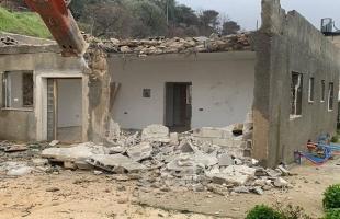 """سلطات الاحتلال تجبر المواطن """"محمد البشيتي"""" من شعفاط على هدم منزله ذاتياً"""