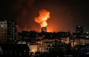 محدث بالفيديو والصور.. أضرار بمنازل المواطنين بقصف طائرات الاحتلال لمواقع وأراضٍ زراعية في قطاع غزة