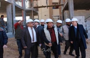 سرحان يتفقد سير العمل في مشروع إنشاء 111 وحدة سكنية في حي الندى بتمويل ايطالي