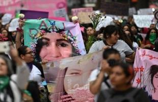"""روتيرز: """"يوم بلا نساء"""".. إضرابات في المكسيك والأرجنتين بعد مسيرات ضخمة في يوم المرأة"""