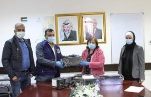 """""""الخيرية"""" الإماراتية تقدم مواد فحص مخبري خاصة بكورونا لصحة رام الله"""