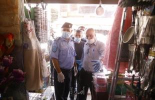 جولة تفقدية للأسواق من بلدية قلقيلة وبالتعاون مع الاقتصاد والشرطة