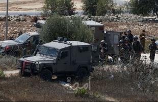 """قناة عبرية تكشف عن رسالة وجهتها السلطة للحكومة الإسرائيلية: """"لن نسمح بانتشار العنف في الضفة"""""""