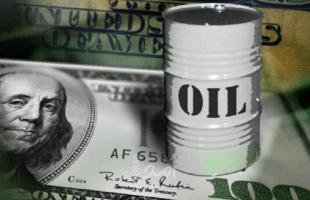 النفط يتراجع بعد بيانات مخزونات الخام الأمريكية