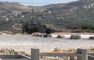 نابلس: قوات الاحتلال تغلق الموقع الأثري في سبسطية تمهيدا لدخول المستوطنين