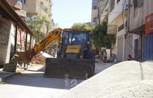 صور - بلدية قلقيلية تباشر أعمال مشروع تأهيل شبكة الصرف الصحي