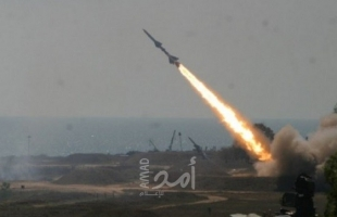 حماس تطلق (12) صاروخاً تجريبياً من غزة تجاه البحر