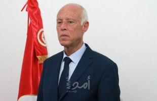في خطاب خارج غاضب والبرتوكول.. الرئيس التونسي يتهم البعض بالخيانة ويتوعدهم! - فيديو