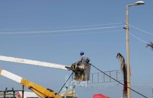 شركة الكهرباء تنتهي من تمديد شبكة للاستراحات والأكشاك في الواجهة البحرية لمدينة غزة