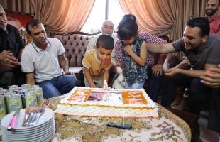 وزارة الأسرى تحتفل بعيد ميلاد أبناء الأسير أحمد السكني من غزة