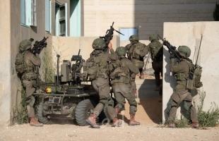 الأغوار: قوات الاحتلال تجري تدريبات بين منازل المواطنين وتطردهم منها