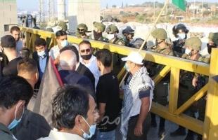 """سلفيت: قوات الاحتلال تمنع المواطنين من أداء صلوات العيد فوق أراضي قرية """"حارس"""""""