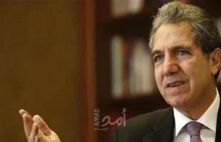 """تحت ضغط الغضب الشعبي.. استقالة وزير المالية اللبناني """"غازي وزني"""""""