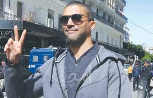حقوقيون وإعلاميون يعبرون عن غضبهم بعد سجن صحفي غطى الحراكات الشعبية في الجزائر