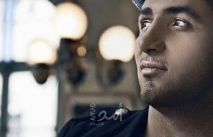 """فراس طعيمة يتغنى بـ""""بلد الجمال لبنان"""" متضامناً مع شعبه المنكوب - فيديو"""