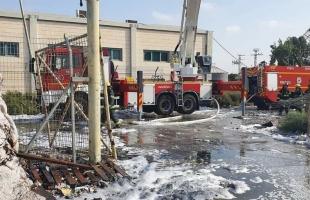 """معاريف: إندلاع حريق في مصنع """"شنيف"""" في منطقة أوفاكيم الصناعية - صور"""