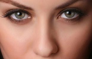 4 طرق للمحافظة على قوة البصر وصحة العين