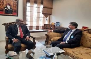 عبد الهادي يبحث مع سفير سلطنة عمان آخر مستجدات الأوضاع في فلسطين والمنطقة