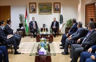 اشتية يؤكد: حريصون على إجراء الانتخابات لإعادة الوهج الديمقراطي لشعبنا الفلسطيني