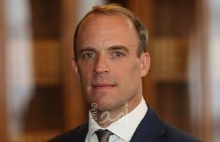وزير الخارجية البريطانية يرحب باستئناف التعاون بين السلطة الفلسطينية و إسرائيل