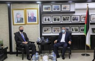 الشيخ يبحث مع القنصل البريطاني العام آخر المستجدات السياسية