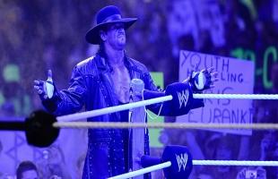 """رسميا.. بطل الــ WWE الأسطورة """" The Undertaker"""" يعلن الاعتزال (فيديو)"""
