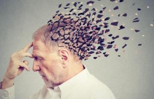 دراسة : القلق يضاعف أعراض ألزهايمر