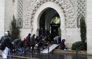 """السلطات الفرنسية بصدد شن حملة غير مسبوقة ضد """"الانفصالية الإسلامية"""""""