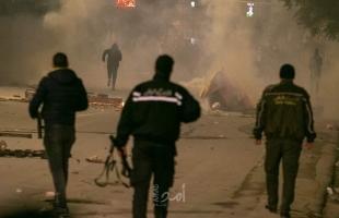 احتجاجات في تونس وقوات الأمن تغلق الطرق المؤدية إلى مجلس النواب