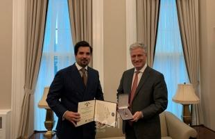 البنتاغون تقلد أخ أمير قطر وساما: مقابل خدمات استثنائية قدمها لأمريكا