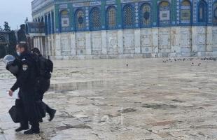"""القدس: (151) مستوطناً وطالباً يهودياً يقتحمون """"المسجد الأقصى"""""""