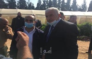 وزير الزراعة يتفقد مناطق في الأغوار ويدين هدم الاحتلال وحدة ري