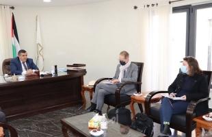 رئيس بلدية بيت لحم يبحث سُبل التعاون مع مدير وكالة التنمية الفرنسية الجديد