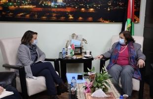 الكيلة تجتمع بالمنسق الخاص للشئون الانسانية بالأمم المتحدة في فلسطين