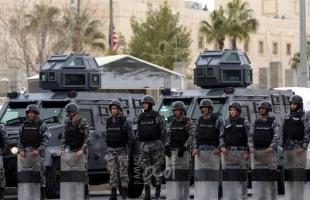 """""""الشرطة الأردنية"""" تستخدم الغاز المسيل للدموع لتفريق احتجاجات على الإغلاق"""