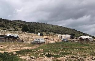 جيش الاحتلال يخطر مواطن بهدم منشأته في طوباس