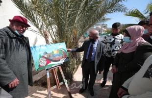 """رئيس بلدية غزة يفتتح """" معرض سيدة الأرض"""" للفن التشكيلي"""