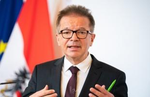 """بسبب """"الإرهاق"""".. استقالة وزير الصحة النمساوي"""
