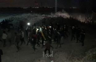 جيش الاحتلال يعتقل شابين تجاوزا السياج شرق خانيونس - فيديو